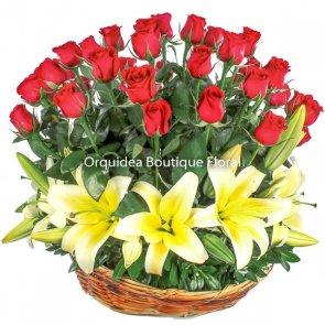 Canasta de 60 Rosas