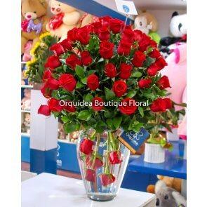 Jarrón de 72 Rosas
