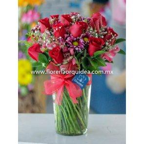 Jarrón de 18 Rosas Rojas