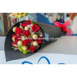 Docena de Rosas con 8 Ferreros