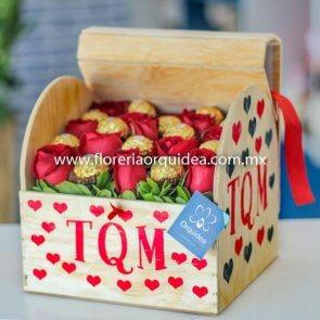 Baúl de 13 Rosas y 12 Ferreros