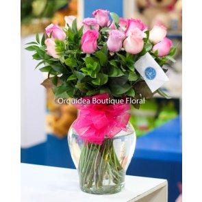 Jarrón de 18 Rosas Rosas